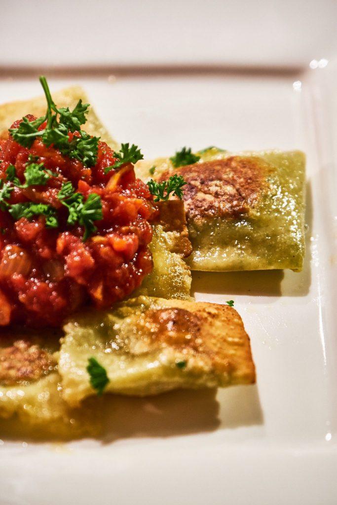 Ravioli mit Spinat Pilz Füllung